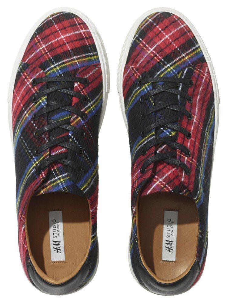 H&M Studio系列秋冬格紋男鞋,3,499元。圖/H&M提供