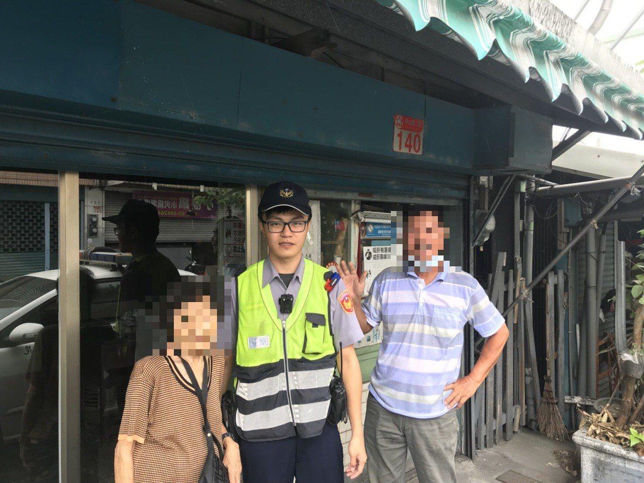 花蓮玉里80歲魏婦雖有輕微失智,但在警方幫助下平安返家時,卻沒忘表達感謝之意。圖...