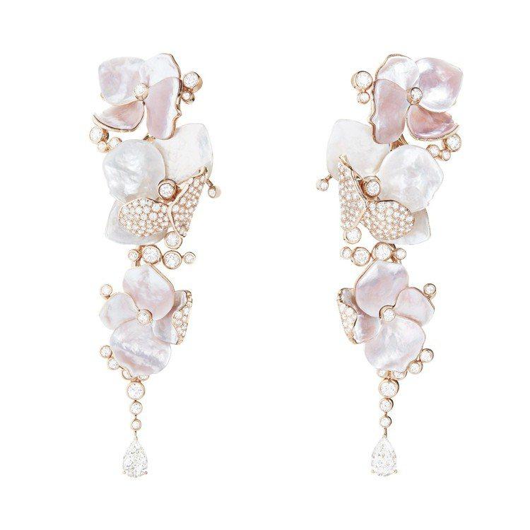 「花雲」垂墜耳環,玫瑰金鑲嵌鑽石、珍珠母貝、鑽石,價格店洽。圖/寶詩龍提供