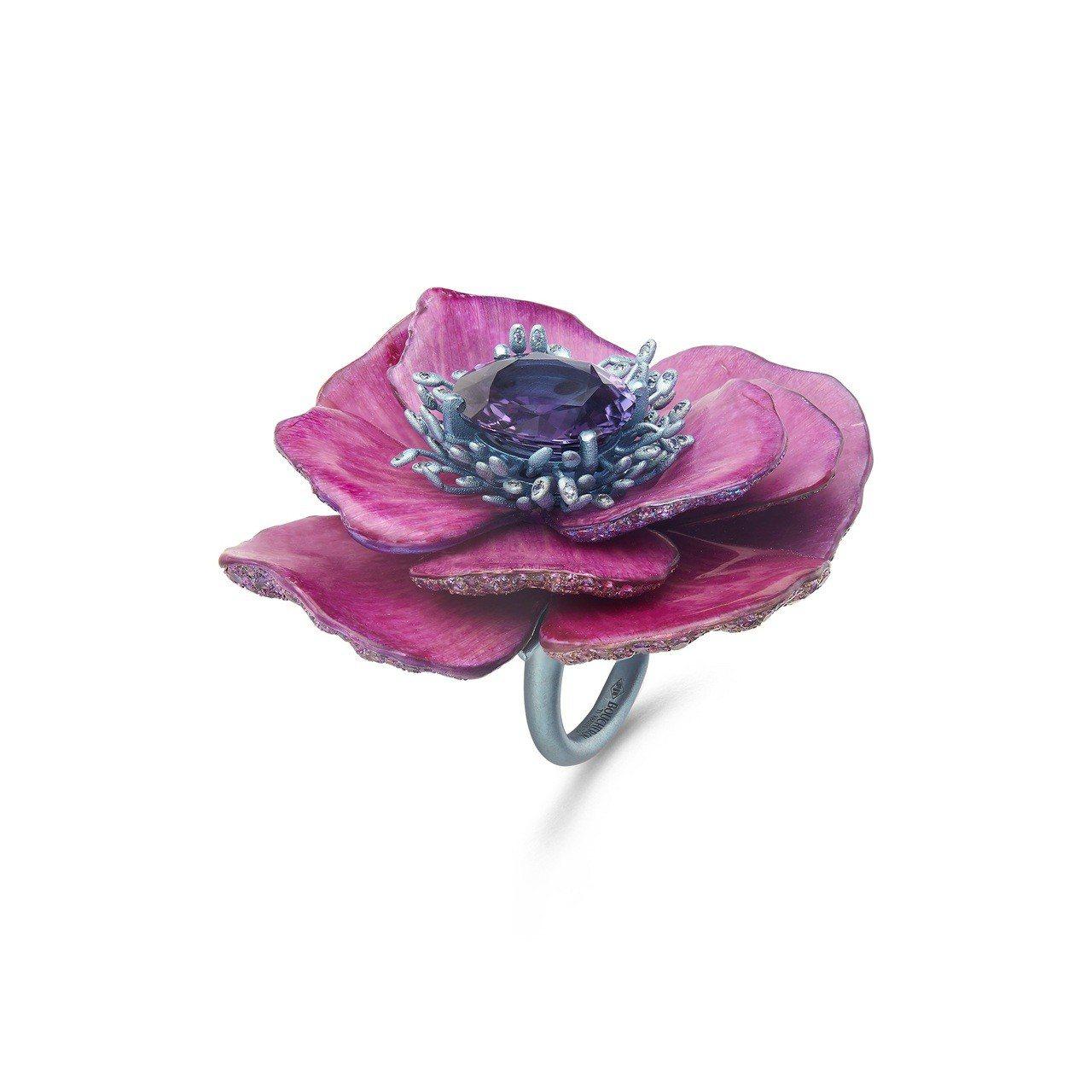 永恆之花牡丹花戒指,鈦金屬鑲嵌7.29克拉馬達加斯加紫色剛玉、藍色與粉紅色剛玉,...