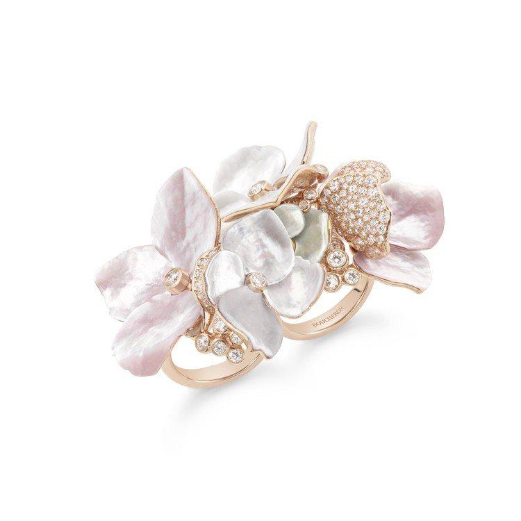 「花雲」戒指,玫瑰金鑲嵌鑽石、珍珠母貝、鑽石,價格店洽。圖/寶詩龍提供