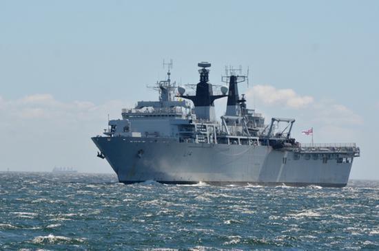 英海軍登陸艦擅闖西沙海域。取自觀察者網