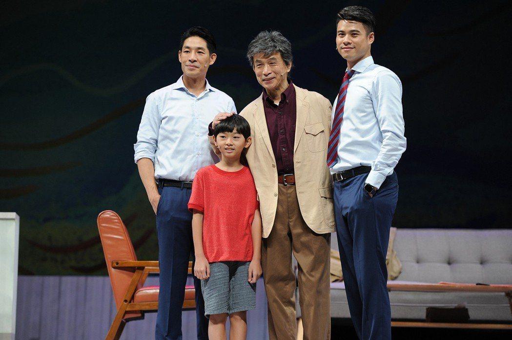 藍鈞天(左起)李天柱和吳定謙演舞台劇「小兒子」   圖/結果娛樂提供