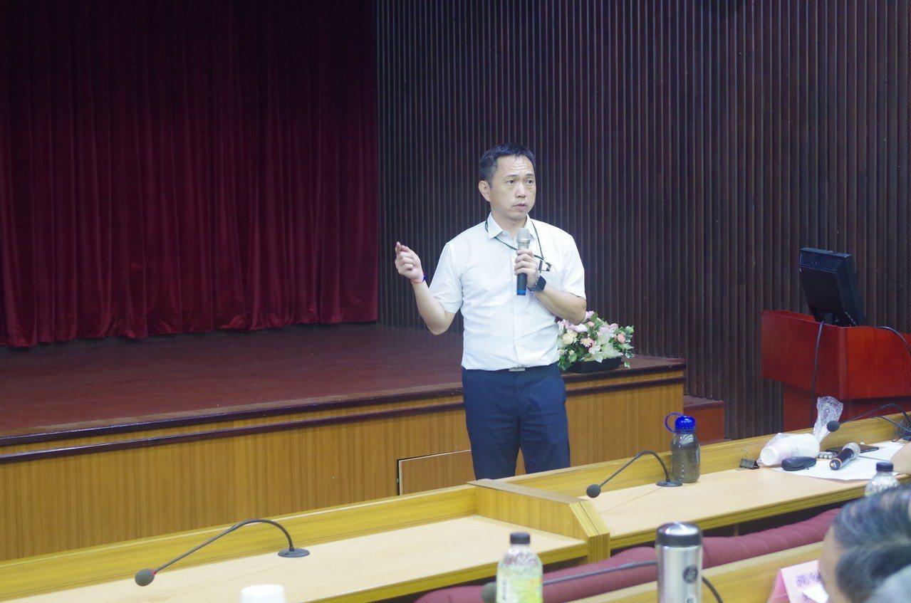 主任檢察官顏郁山分享多年的查賄經驗。圖/雲林地檢署提供