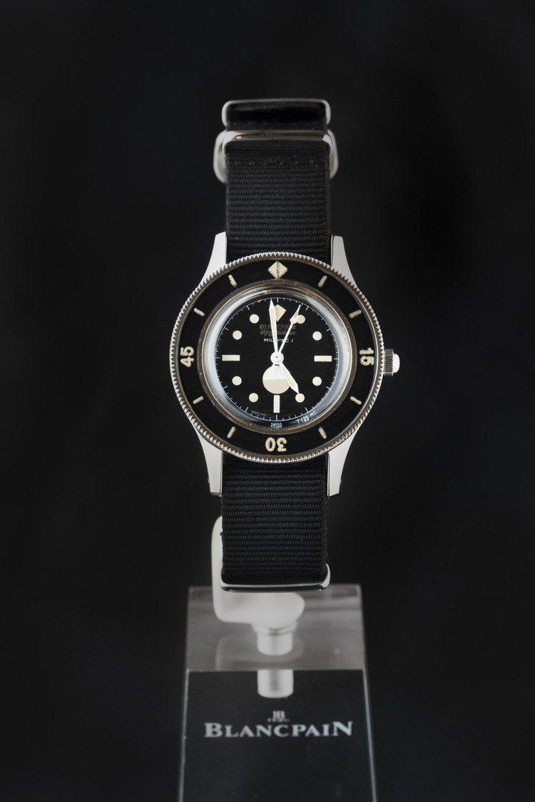1957年推出的五十噚系列Mil-Spec 1腕表,六點鐘方向即有早期的濕度顯示...