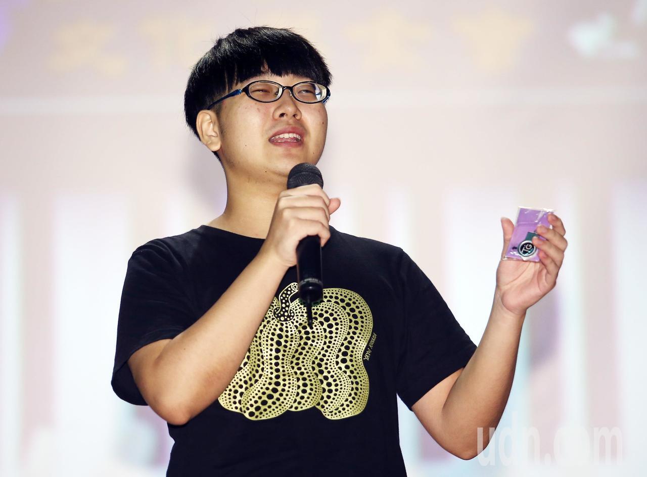 總統教育獎得主陳彥豪告訴大家,生命就是永不放棄。記者杜建重/攝影