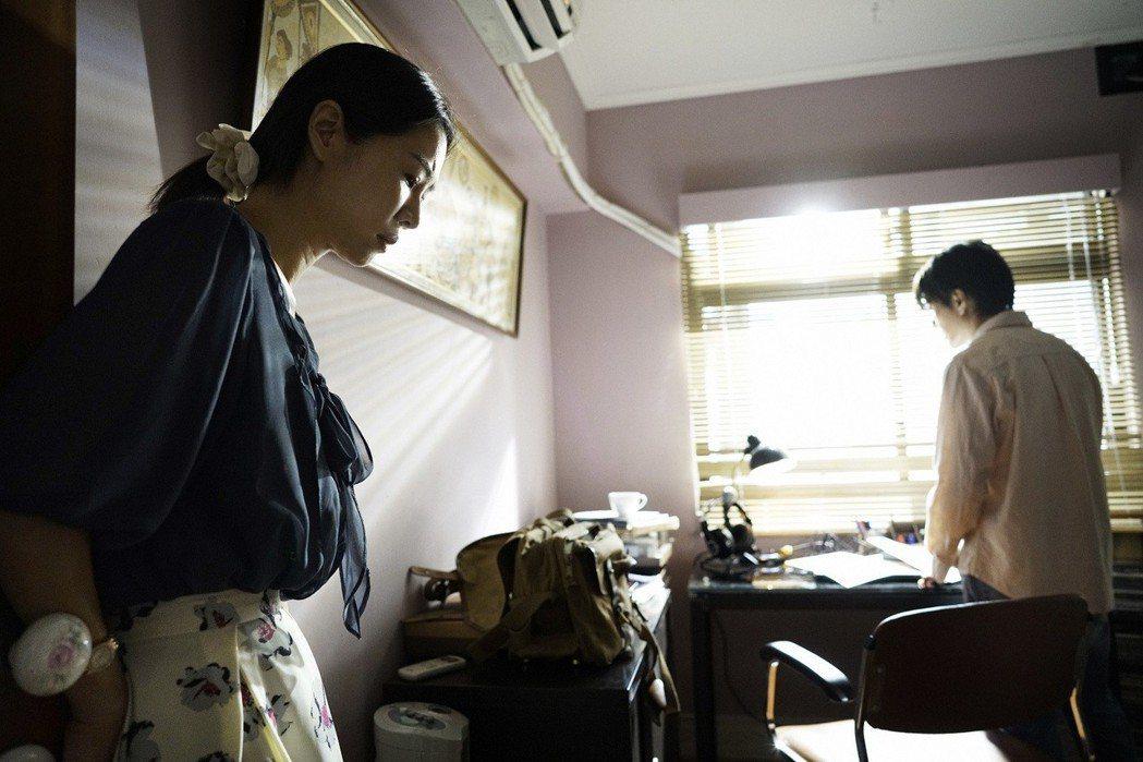 謝盈萱堅持挑本拍好片。圖/親愛的工作室提供