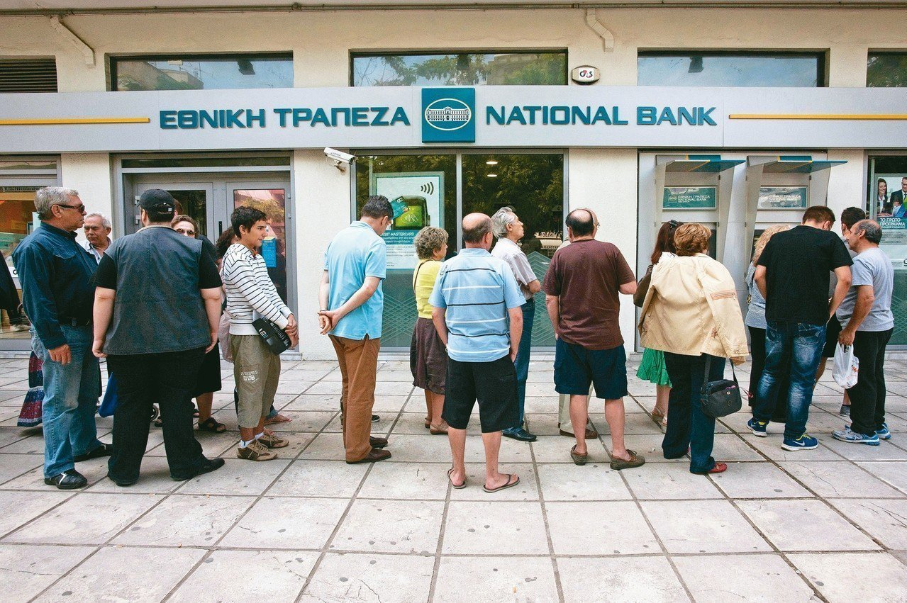 2012至2015年是希臘經濟危機最嚴峻的時候。在希臘第二大城塞薩洛尼基,民眾在...