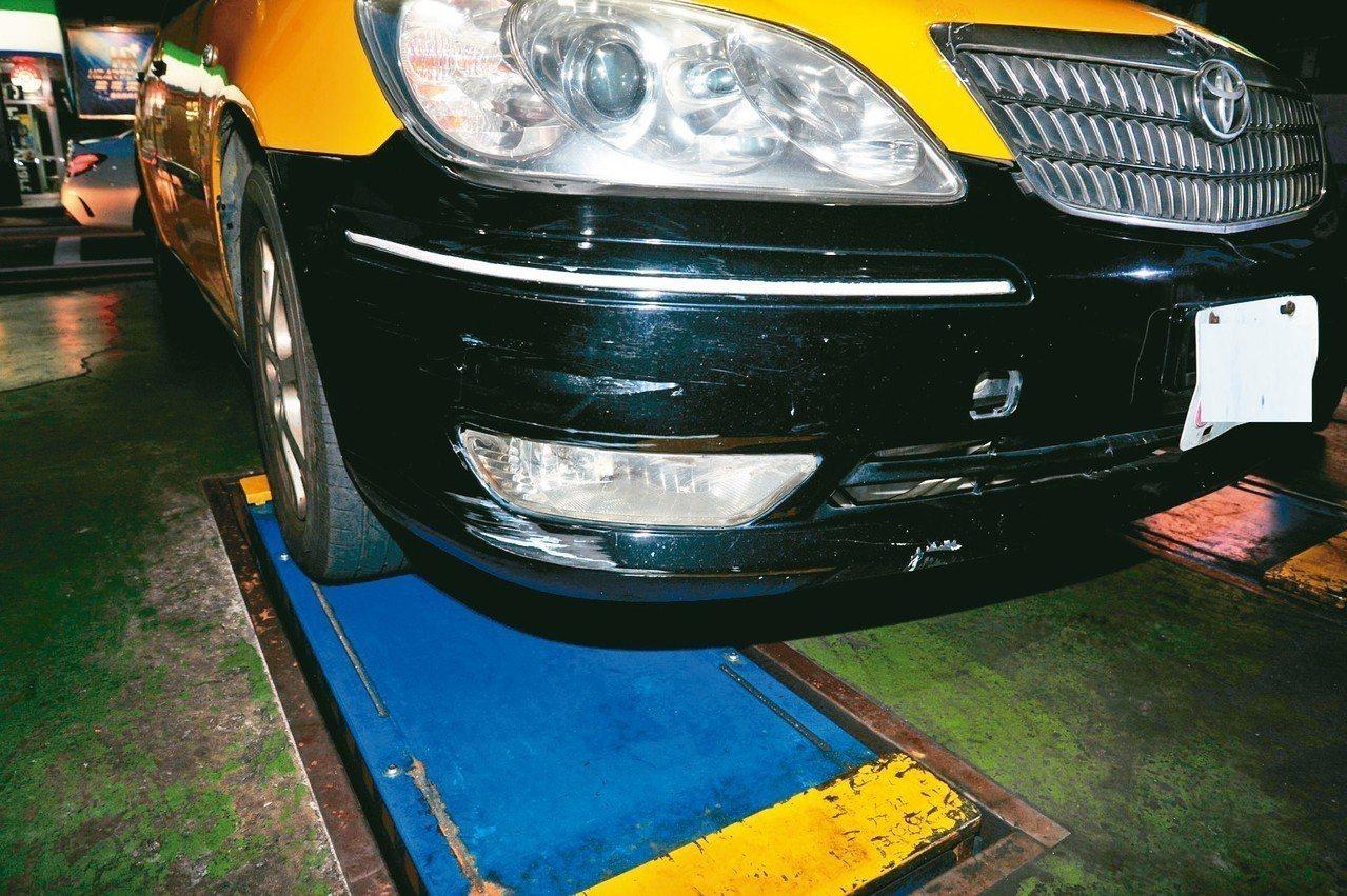 陳姓計程車駕駛撞死女童後肇逃,還將車開到蘆竹一處收費停車場停放。 圖/警方提供