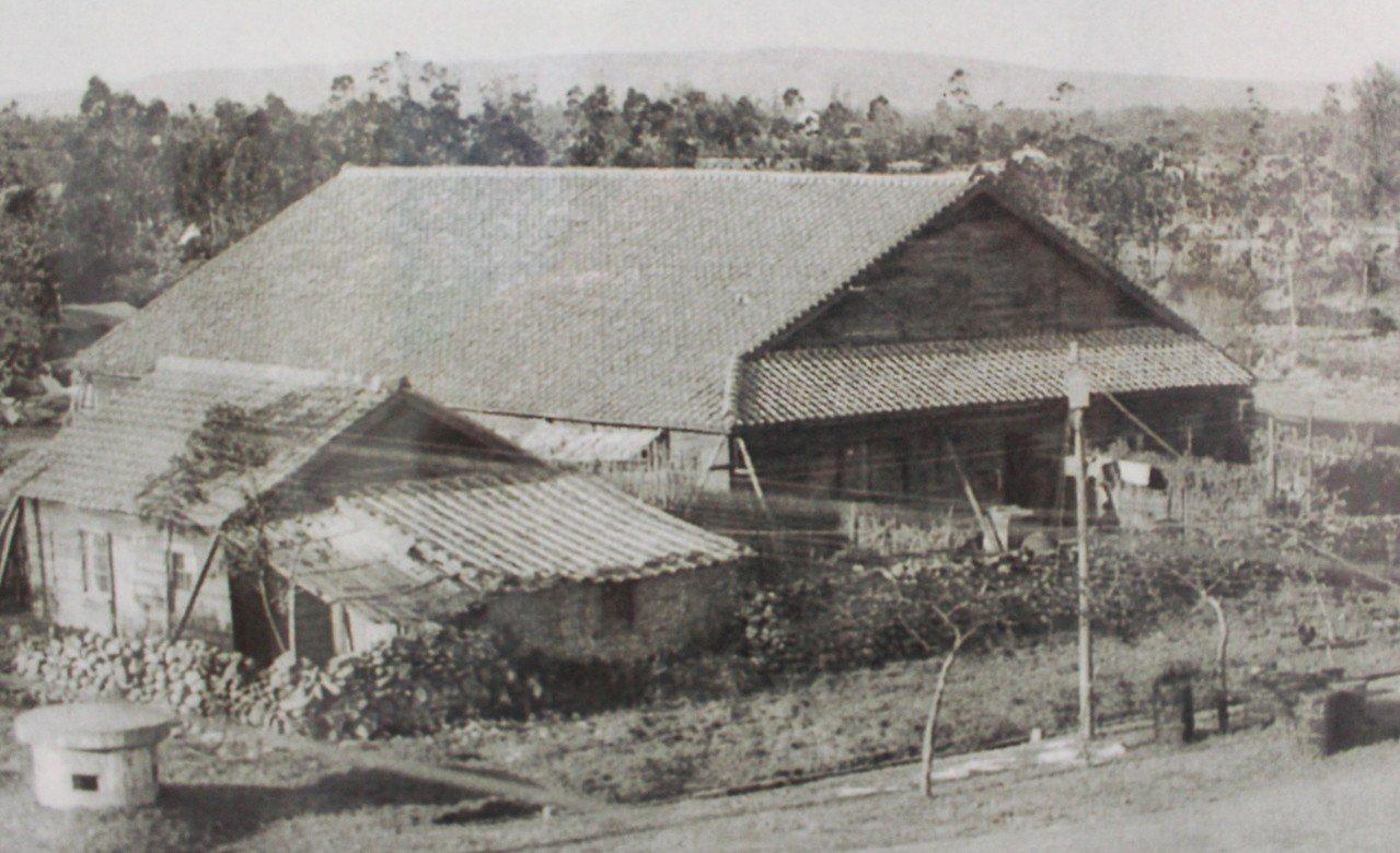 空軍眷村於1956年改建為北大教堂。記者張雅婷/翻攝「記憶中的新竹」展覽