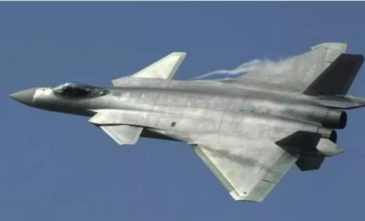 中共在解決渦扇-15發動機的問題後,將大批量生產殲-20,至少生產200架,以應...