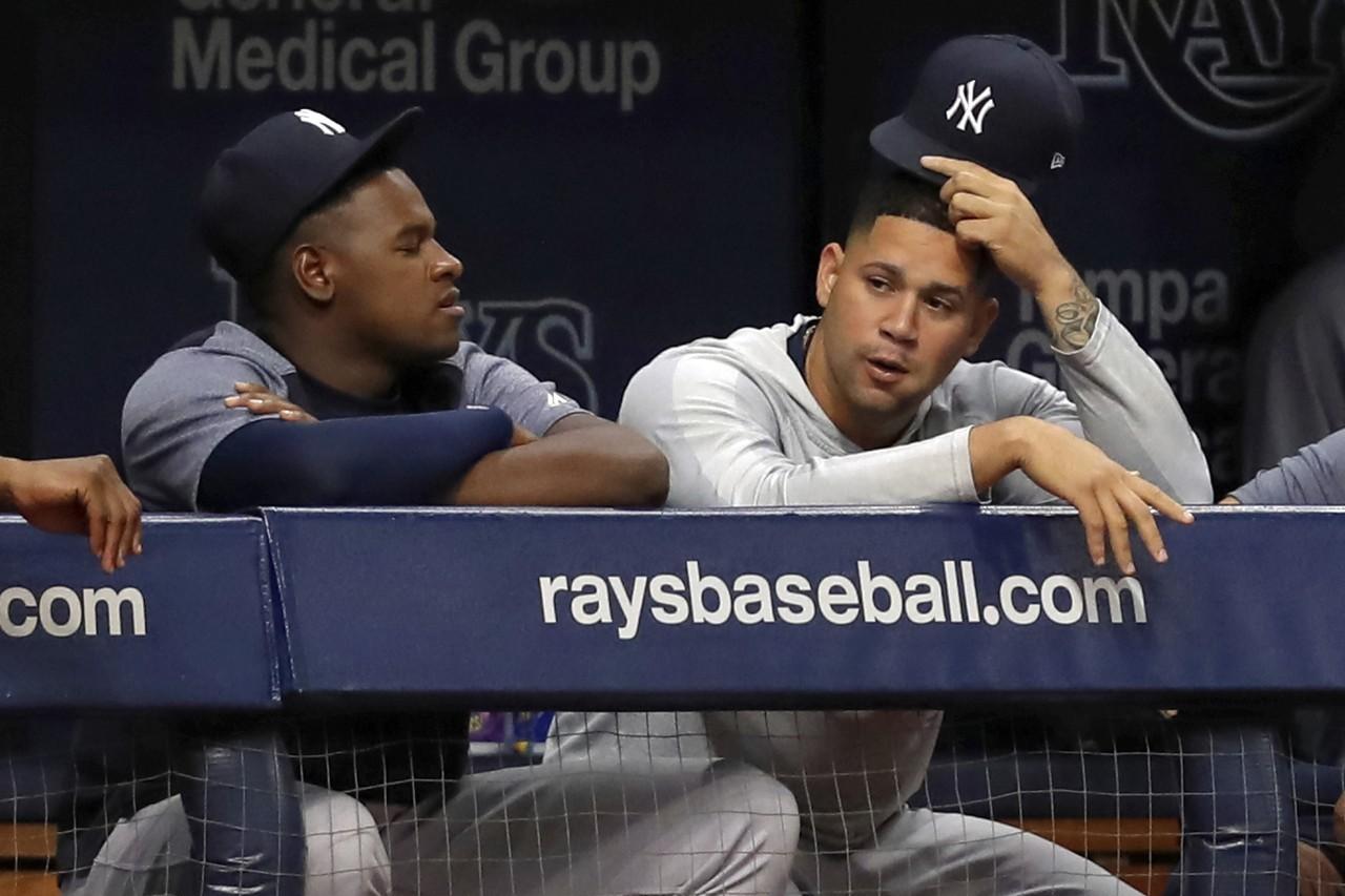 不少紐約媒體直言,塞佛里諾(左)和桑契斯(右)在場上的表現,看起來就像討厭彼此。...