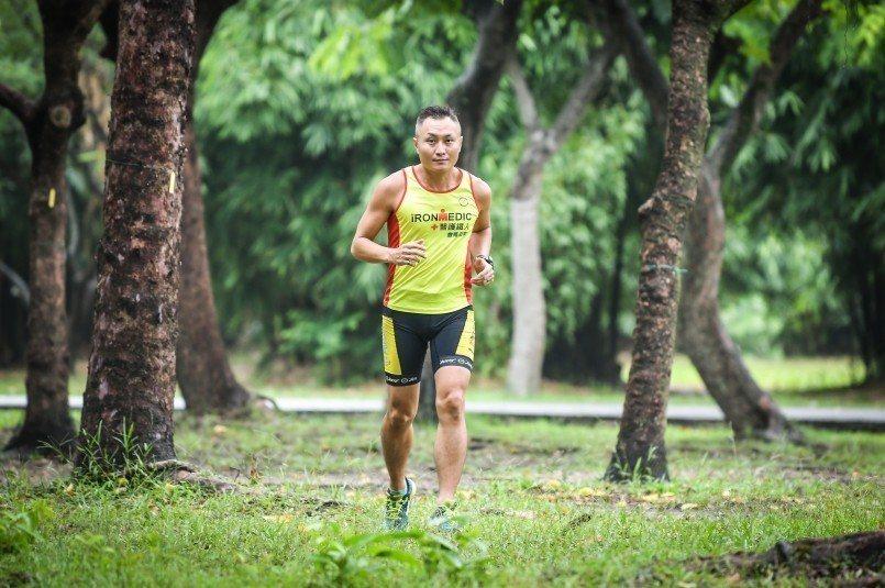 避開烈日直曬,選擇較涼爽的清晨或傍晚練跑。 (圖片來源:Leon)