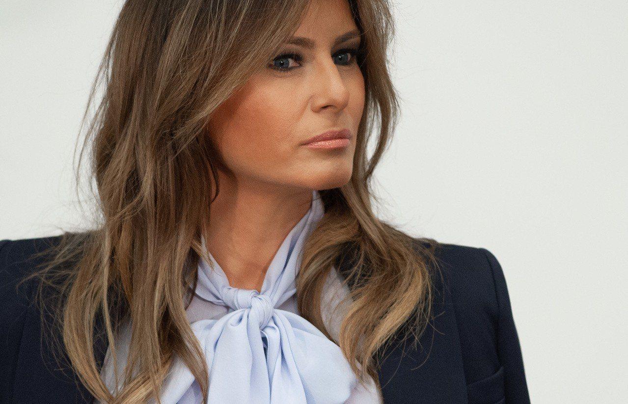 梅蘭妮亞被問到對於川普總統多次傳出緋聞的感受時說,她因為把心力都放在「其他更重要...