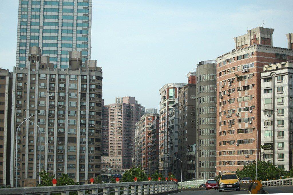 2017年台灣的房屋自有率仍高達84.83%,「有土斯有財」觀念難以撼動。聯合報...