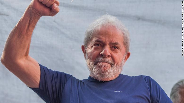 巴西前總統魯拉涉嫌收受濱海公寓而被定罪,巴西選舉法院駁回他提出的參選資格。 圖擷...
