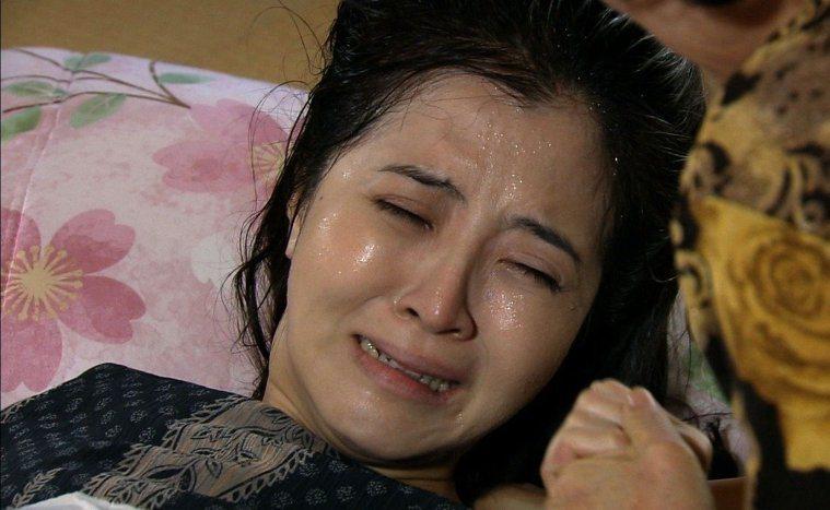 三立、八大戲劇「珍珠人生」裡,李亮瑾生孩子橋段。三立電視提供