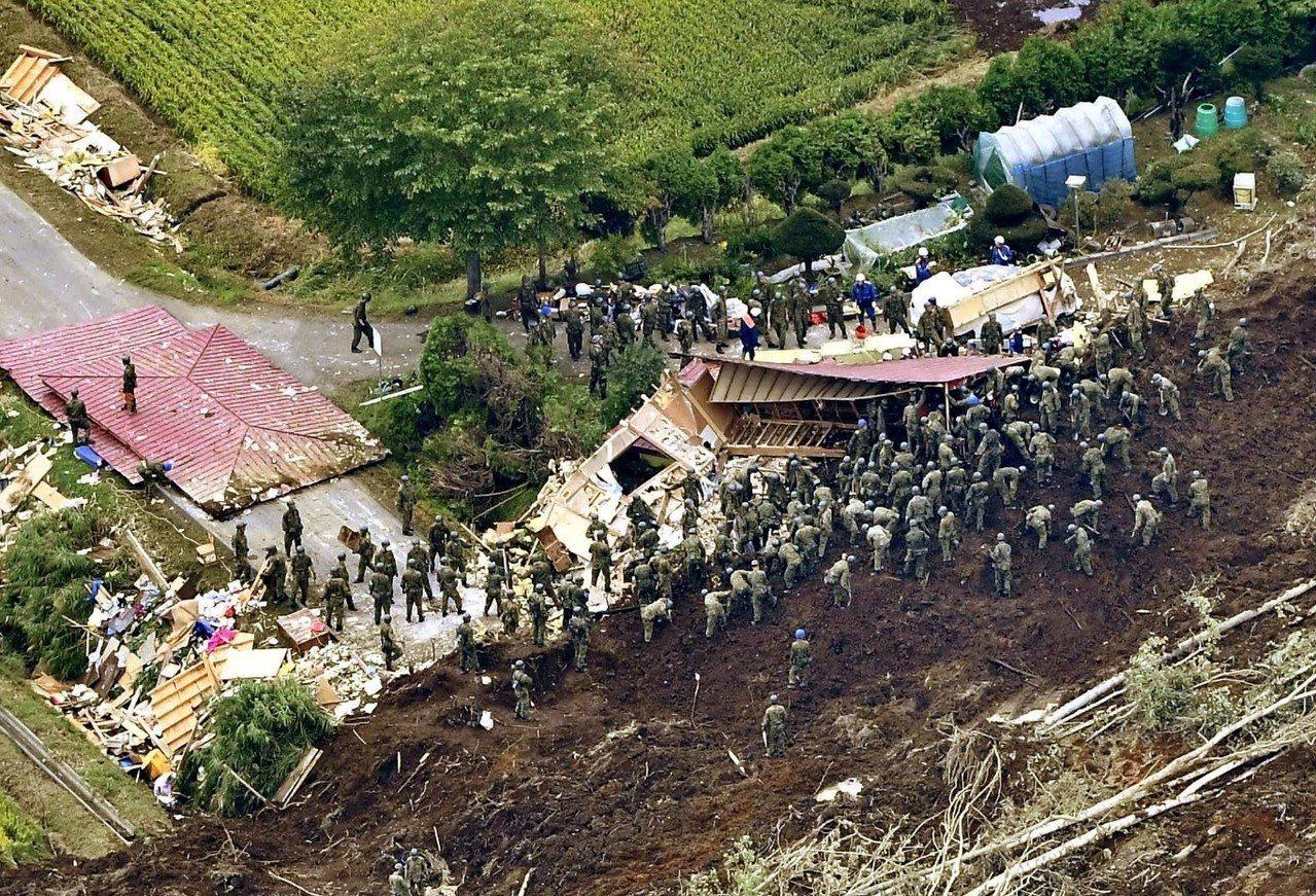 北海道地震新增10人命危 日本全力搜救