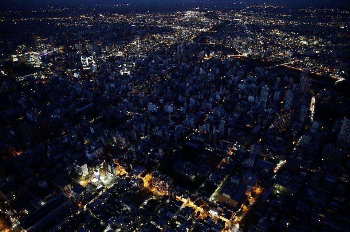 札幌成為「黑暗之都」。 圖/路透社