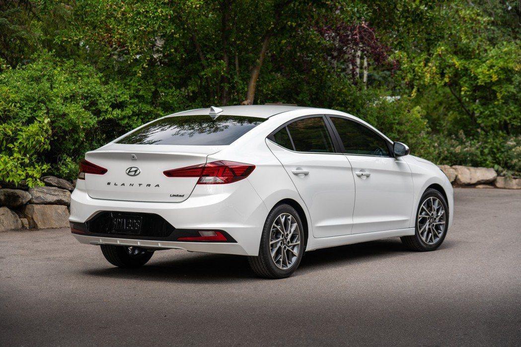 小改款Hyundai Elantra。 摘自Hyundai