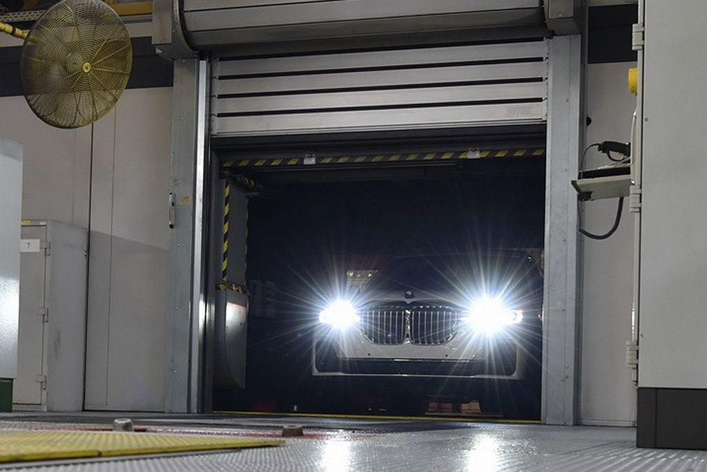 BMW品牌中尺碼最大的旗艦休旅X7,今年底就會正式對外發表。 圖/BMW提供