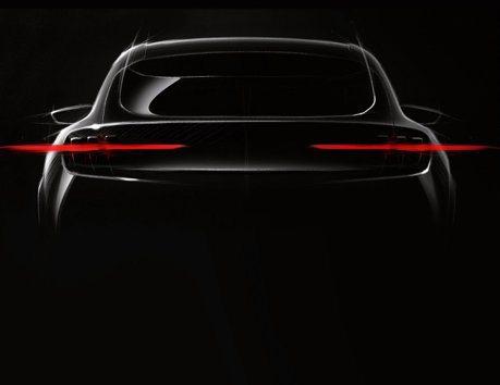 Mustang野馬魂上身 Ford揭示全新電動跨界休旅Mach 1