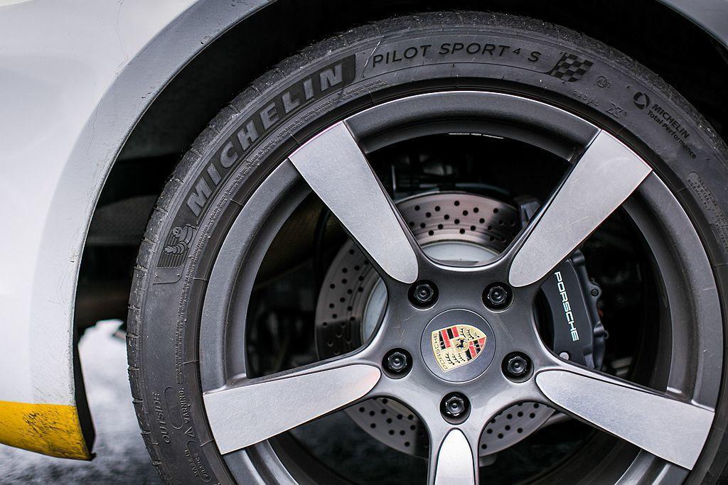去年在台發表的米其林Pilot Sport 4 S性能運動輪胎,為今年米其林極致體驗試駕活動重點試駕胎款。 圖/Michelin提供