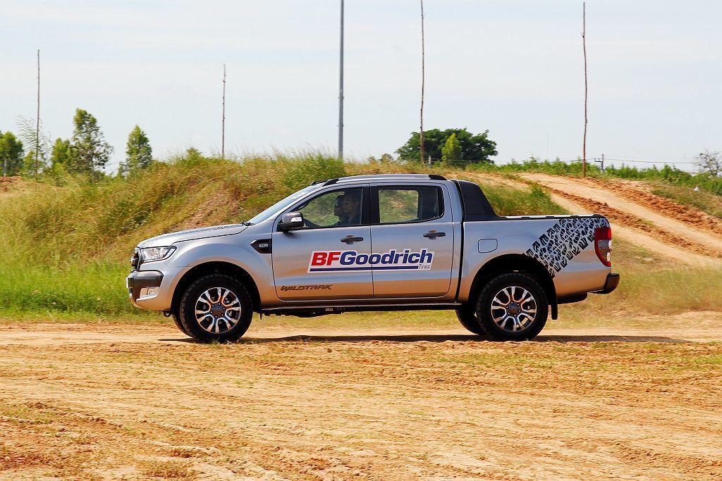BFGoodrich All-Terrain T/A KO2在去年已經導入台灣市場銷售,讓車輛在行駛惡劣路況時能繼續維持出色的抓地表現。 記者張振群/攝影