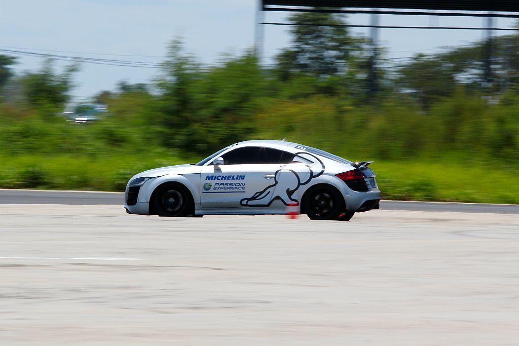 米其林Pilot Sport 4 S在加速煞停項目中,展現比競品更短的停止時間和煞車距離。 記者張振群/攝影