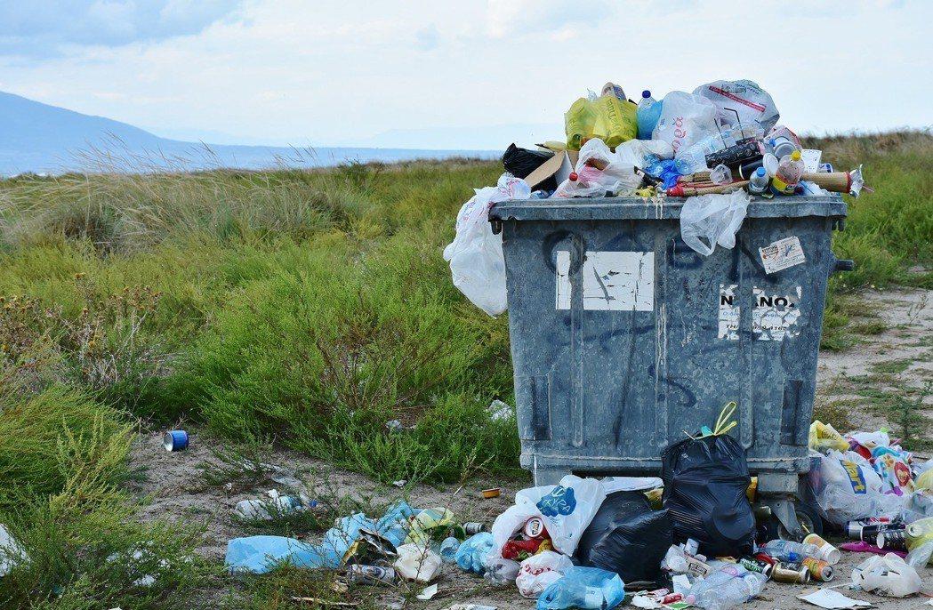 所有的塑膠使用都意味著大量的浪費,有的塑膠被回收了,但大部分的並沒有。圖/pix...