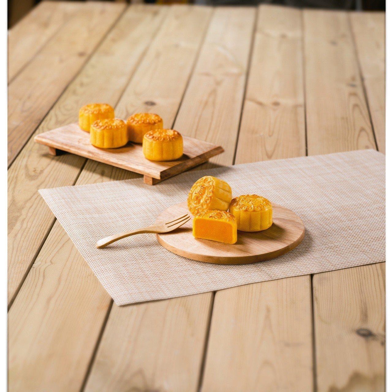 香港美心香滑奶黃禮盒。照片廠商提供。