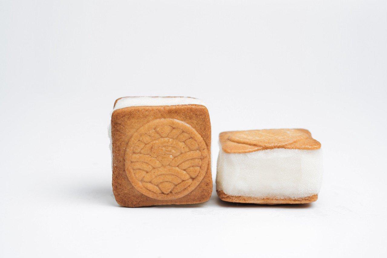 舊振南與「蜷尾家」合作限定版雪餅。圖/舊振南提供