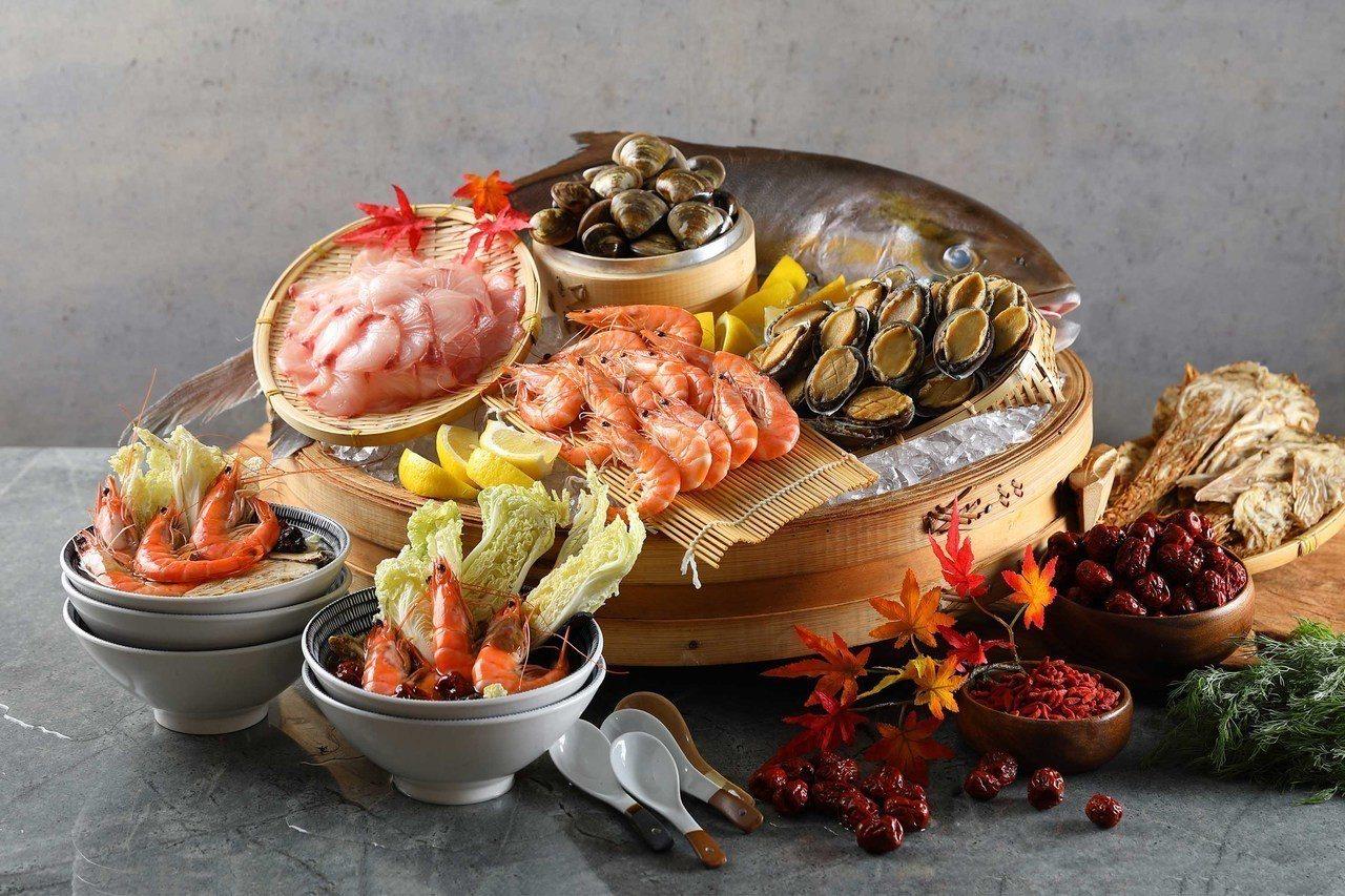 海鮮現煮區提供多種料理給饕客選擇。圖/50樓Cafe提供