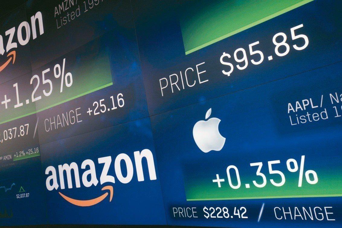 亞馬遜達成市值1兆美元里程碑,並有機會超越蘋果。 圖/美聯社