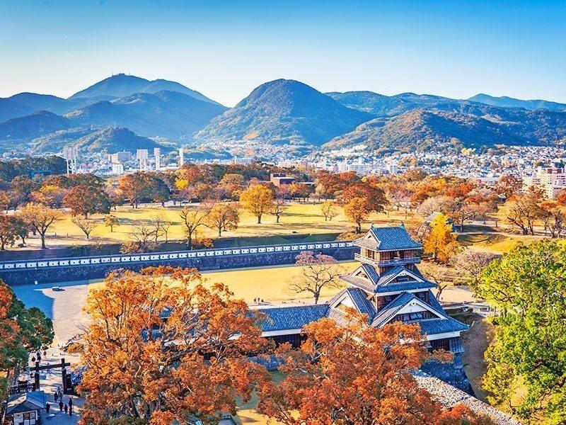 搭乘日本最新星悅航空至九州賞楓,團費第2人減5,999元。圖/易遊網提供