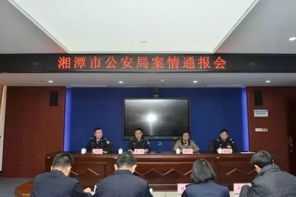 湖南省警方近日跨省緝拿人體器官移植黑仲介,調查發現,換腎一條龍叫價人民幣50萬。...