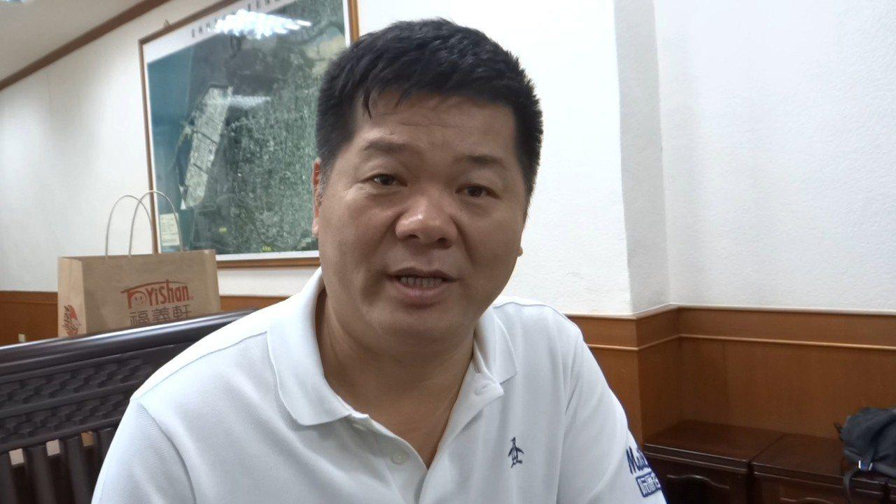 麥寮鄉長許忠富也發表聲明並向鄉親致歉。記者蔡維斌/攝影