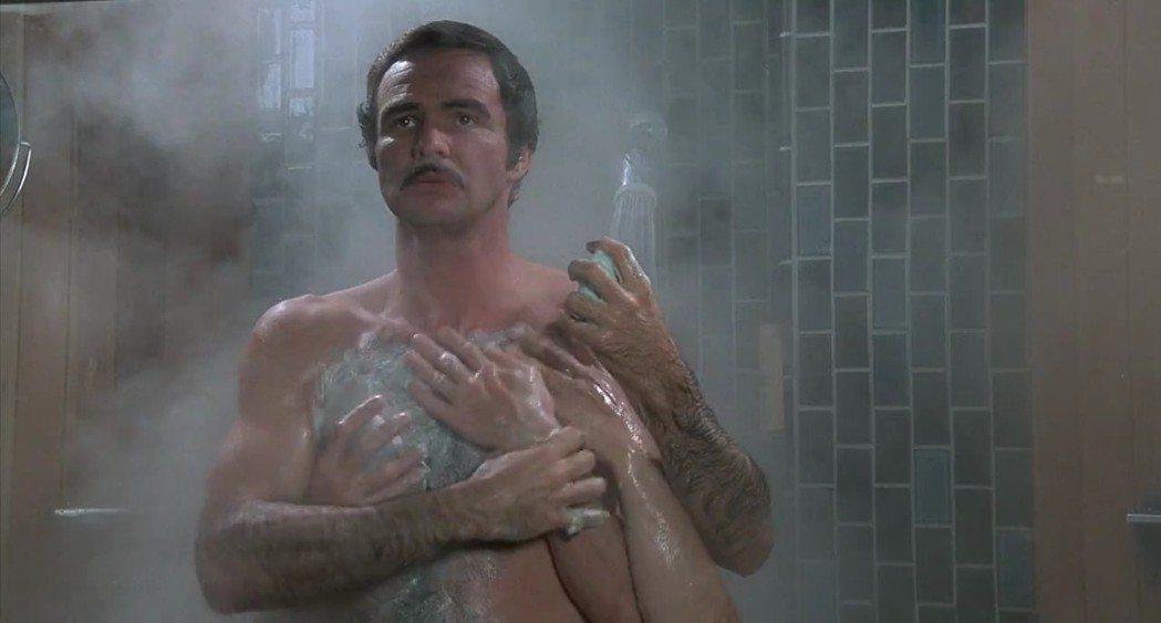 畢雷諾斯在歐美主打性感、詼諧的形象,喜劇片「無聲電影」中將兩者作了很好的結合。圖...