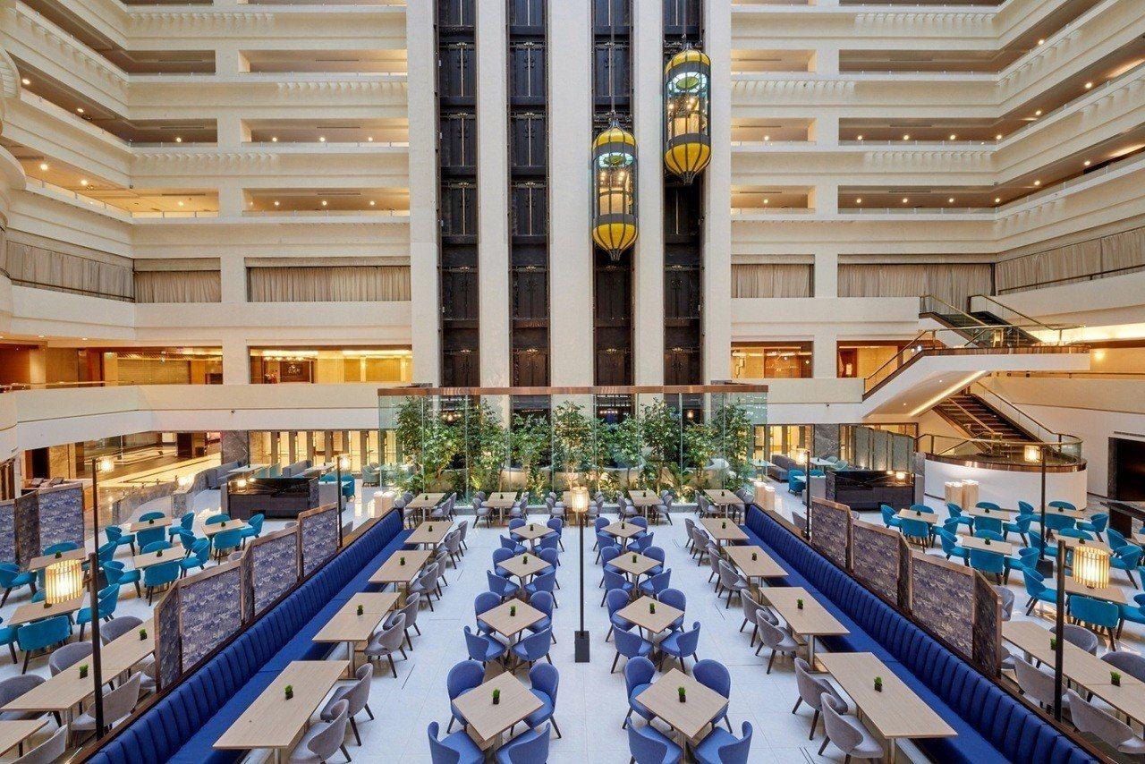 SUNNY BUFFET自助餐廳提供逾百道無國界料理,60人以上即可免費使用音響...