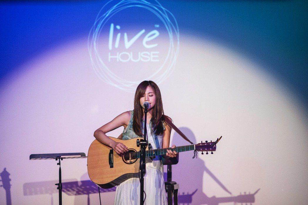 吳汶芳6日到新加坡演出。圖/福茂唱片提供
