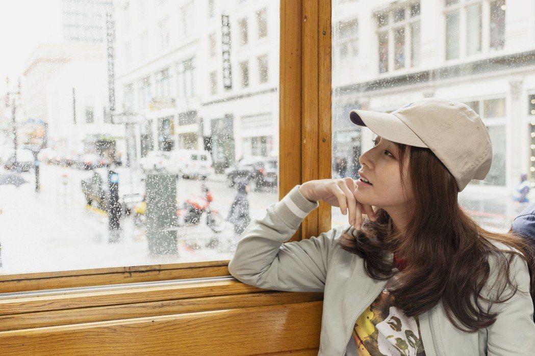 陳怡蓉在「雙城故事」中為愛走天涯。圖/青睞影視提供