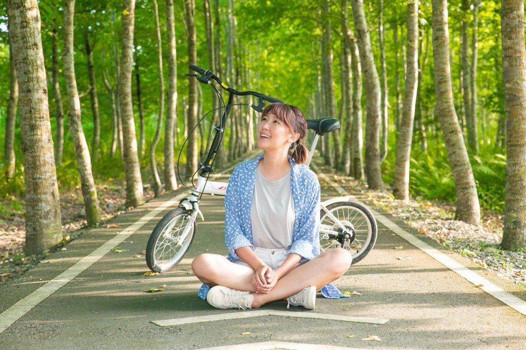 李懿到花蓮大農大富自行車道。圖/伊林提供