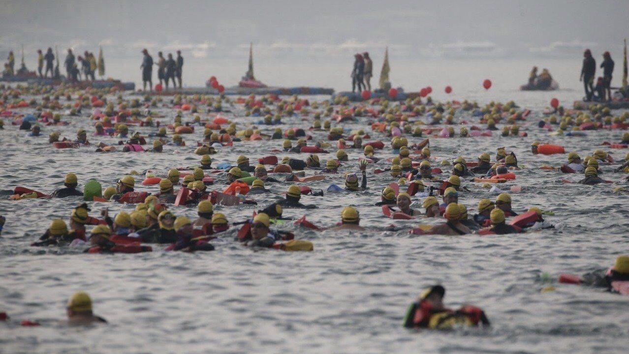 日月潭泳渡每年吸引國內外上萬名游泳愛好者參與,成了台灣體育盛事。 圖/聯合報系資...
