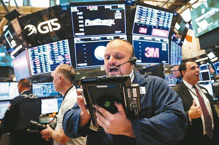 美中貿易風波延續,近一周仍以訴求美國資產或公用事業相關的基金表現較佳。 路透社