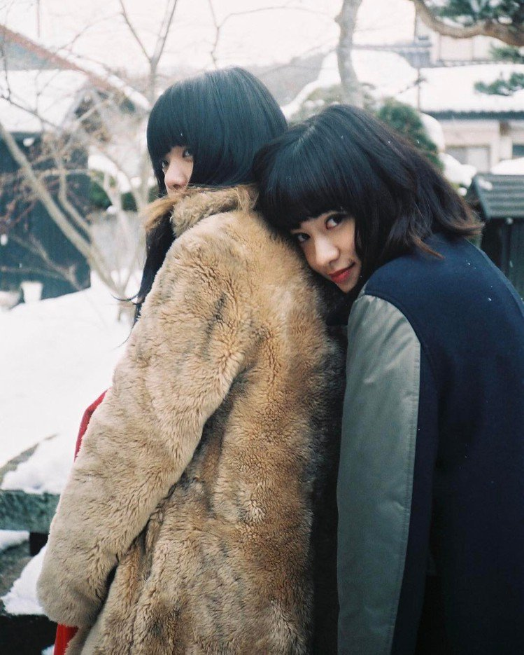(左)Aimyon、(右)姚愛寗。圖/擷自instagram