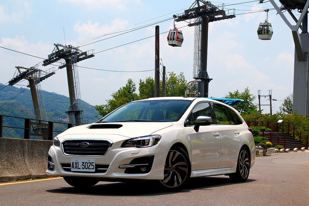 由於搭載CVT無段變速系統,使Subaru Levorg 2.0駕馭起來屬溫吞型,加速也不會突然猛爆突兀。 記者張振群/攝影