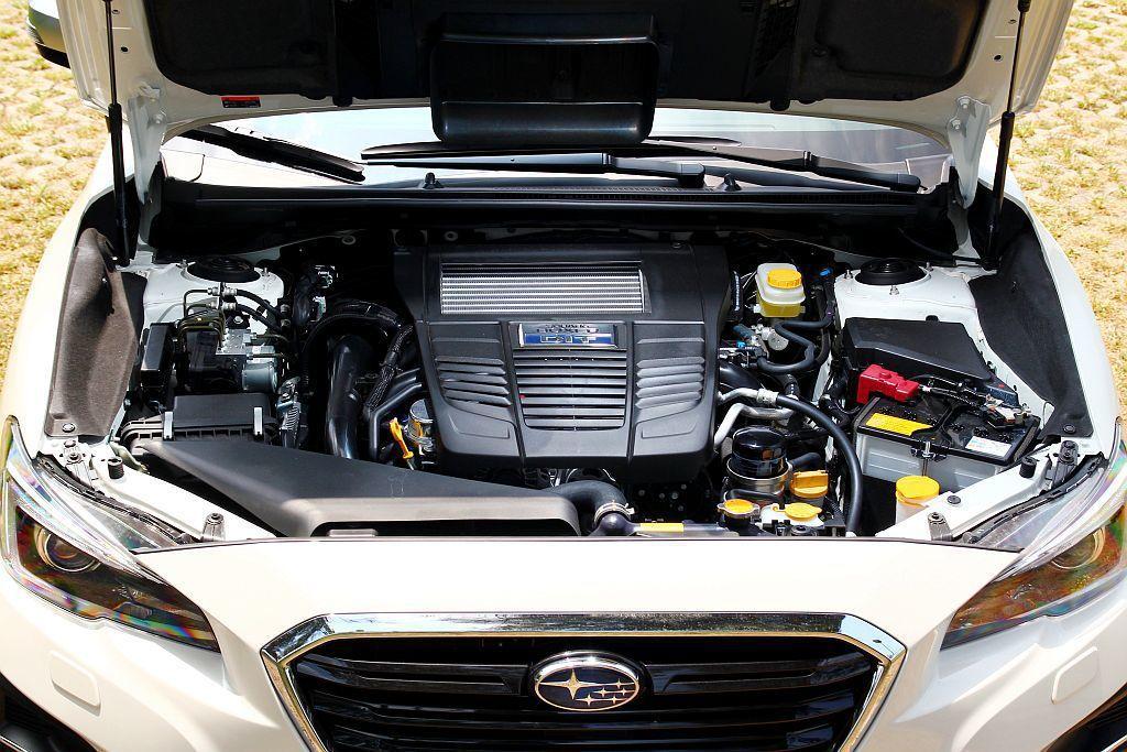 Subaru Levorg 2.0搭載的新世代水平對臥渦輪增壓引擎,動力具備268ps最大馬力、35.7kgm峰值扭力。 記者張振群/攝影