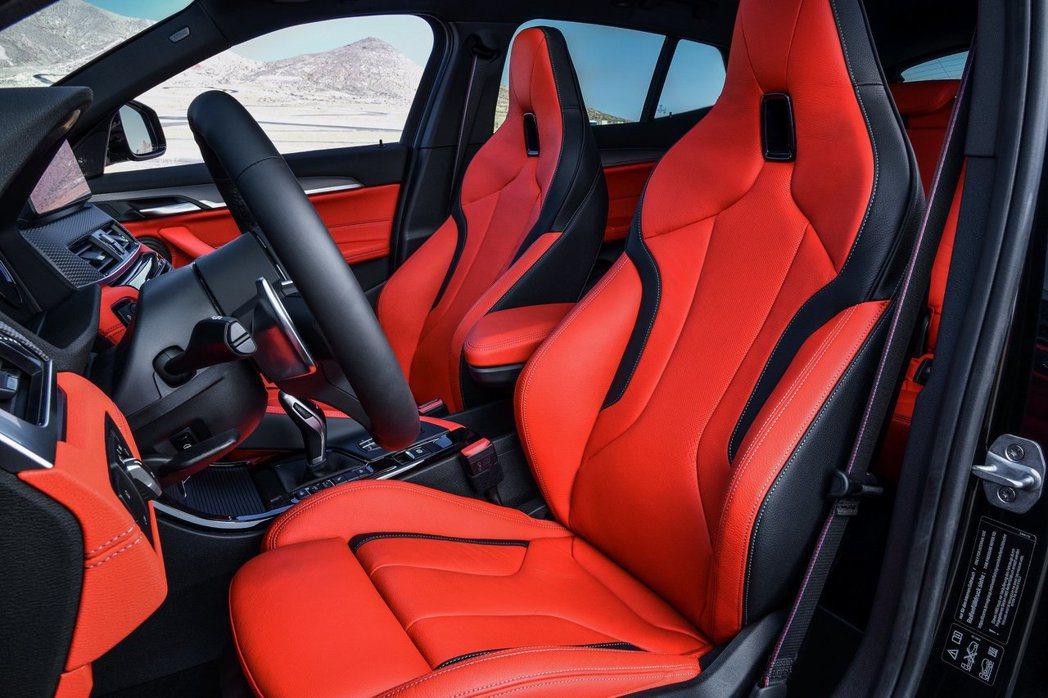 BMW X2 M35i可選配運動化跑車座椅。 摘自BMW