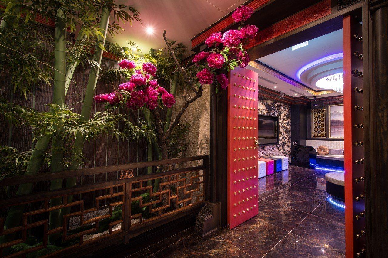 紫禁城Motel主題會館打造原汁原味中國風。圖/紫禁城Motel主題會館提供