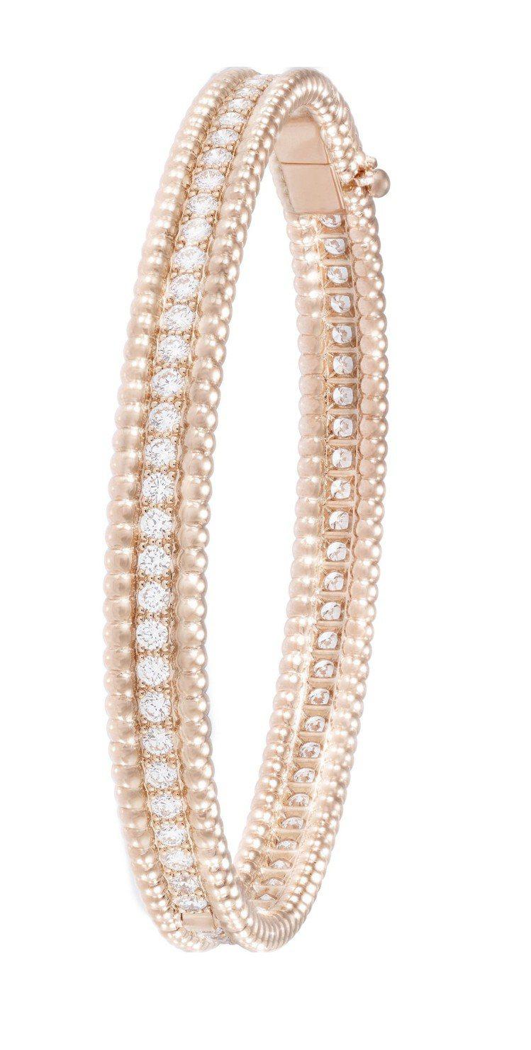 Perlée Diamonds手鐲,玫瑰金鑲嵌鑽石,67萬5,000元。圖/梵克...